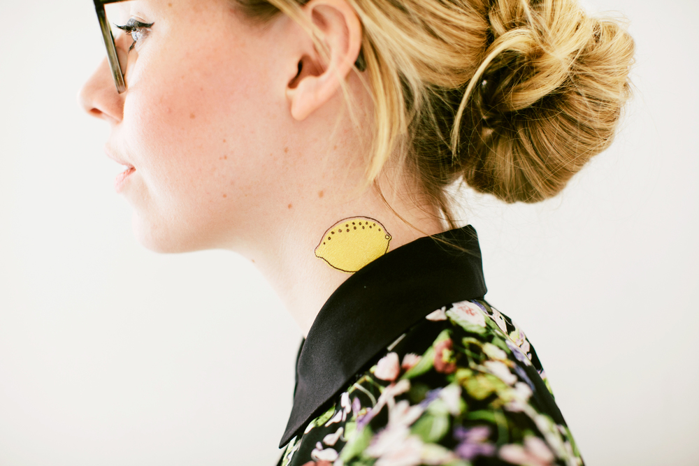 tattly_alanna_cavanagh_tangy_lemon_press_applied_09.jpg