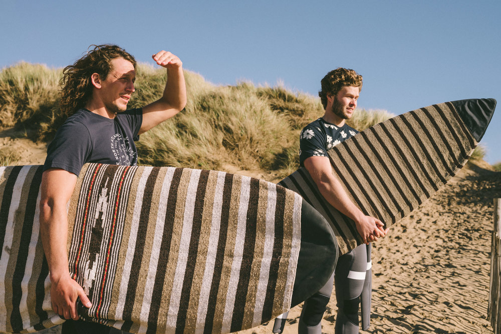 This Summer Farah Turn To The British Surf Scene For Inspiration For Their  High Summer Collection.