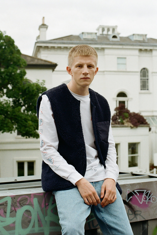 Josh wears: Long sleeve crewneck - Pheme London, Gilllet & Jeans - Weekday Stores