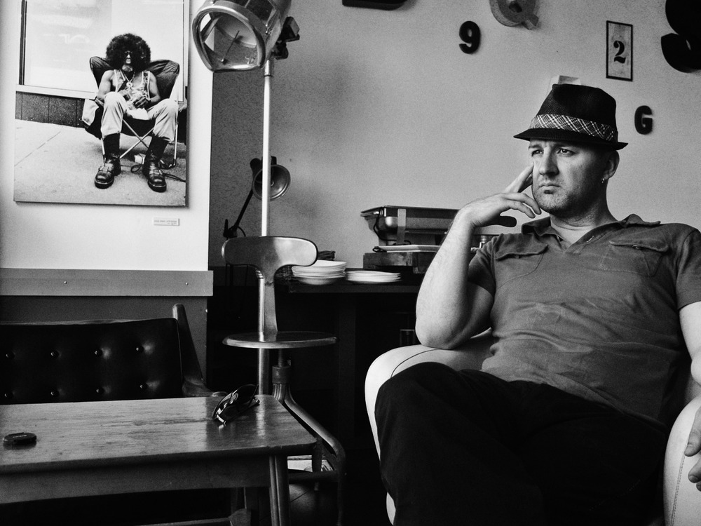 It's my birthday! So I treated myself to @wearemacphun #Tonality app and made this first B/W conversion. Here's me in my favorite hat, in Rome's #Pigneto neighborhood.