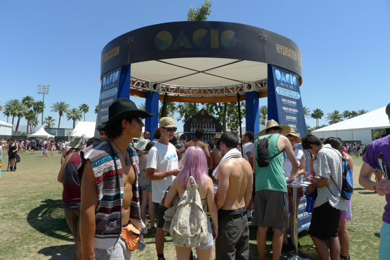 coachella-water-bar.jpg