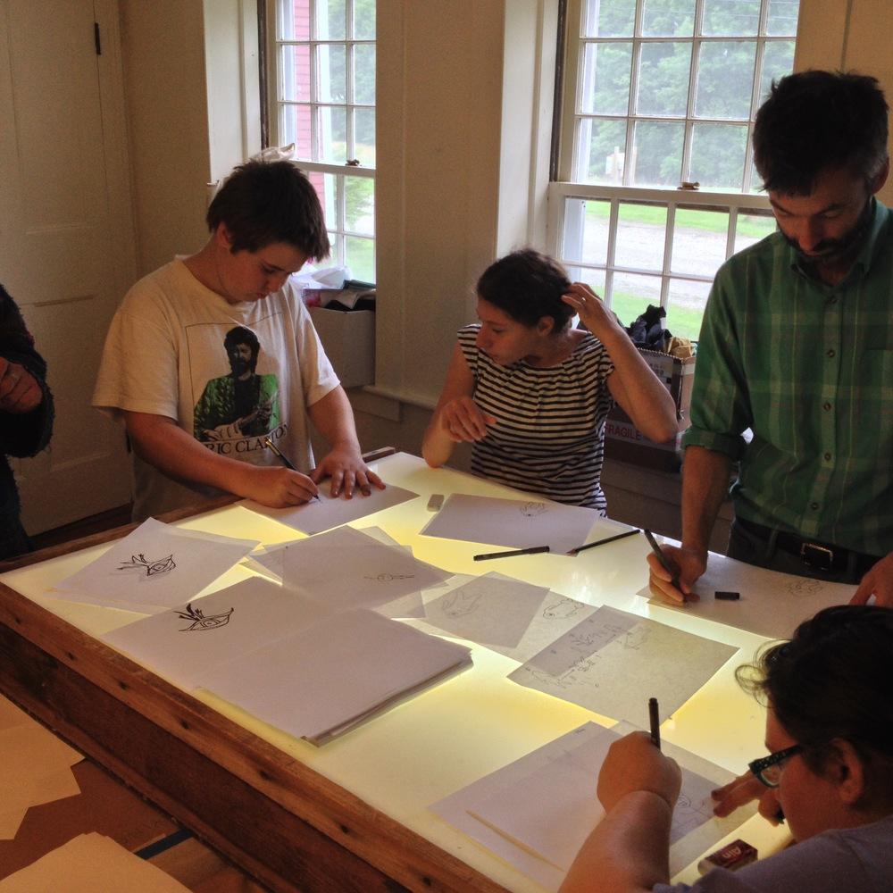 More communal light box use. 2回目のメンバーと一緒にジェイソンも作業しています。