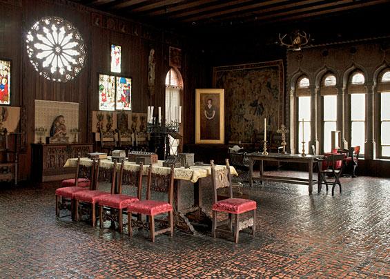 gardner-gothic-room.jpg