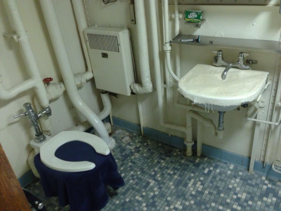 cap toilet
