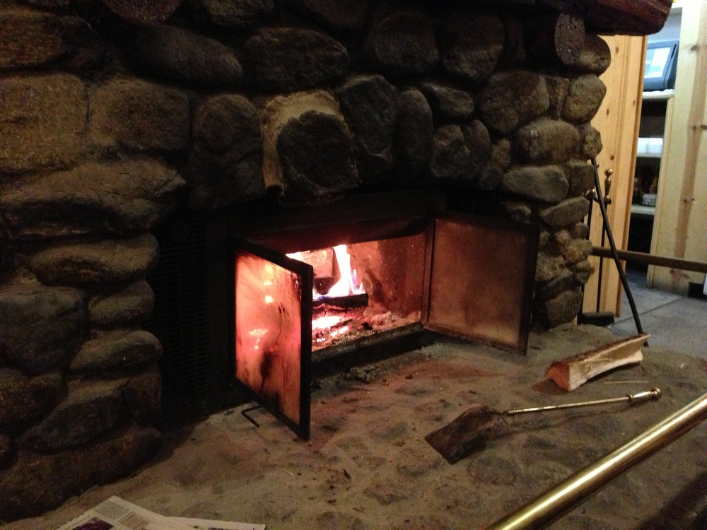 Cozy Fireplace, great spot to enjoy pie and coffee.