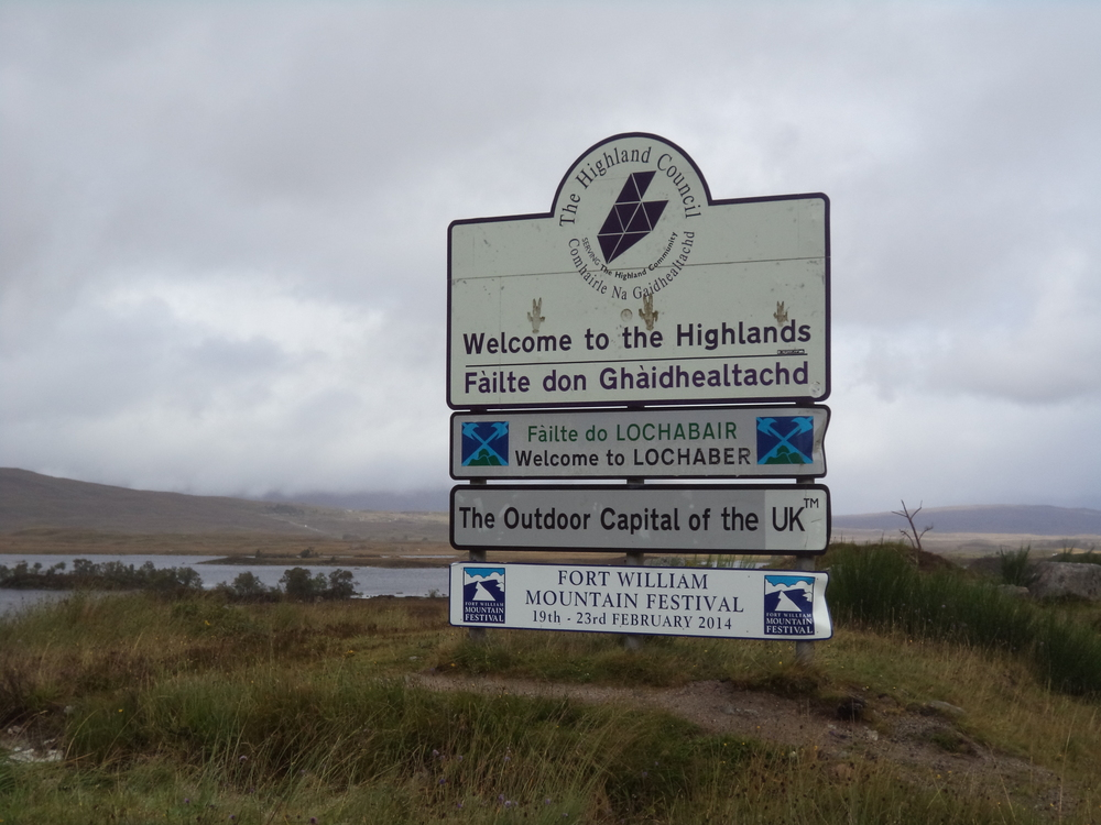 Highlands Welcome Sign