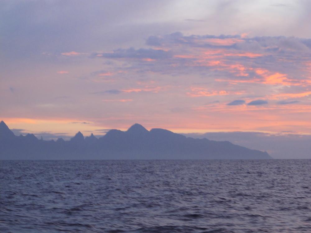 Tahiti_sunrise.jpg