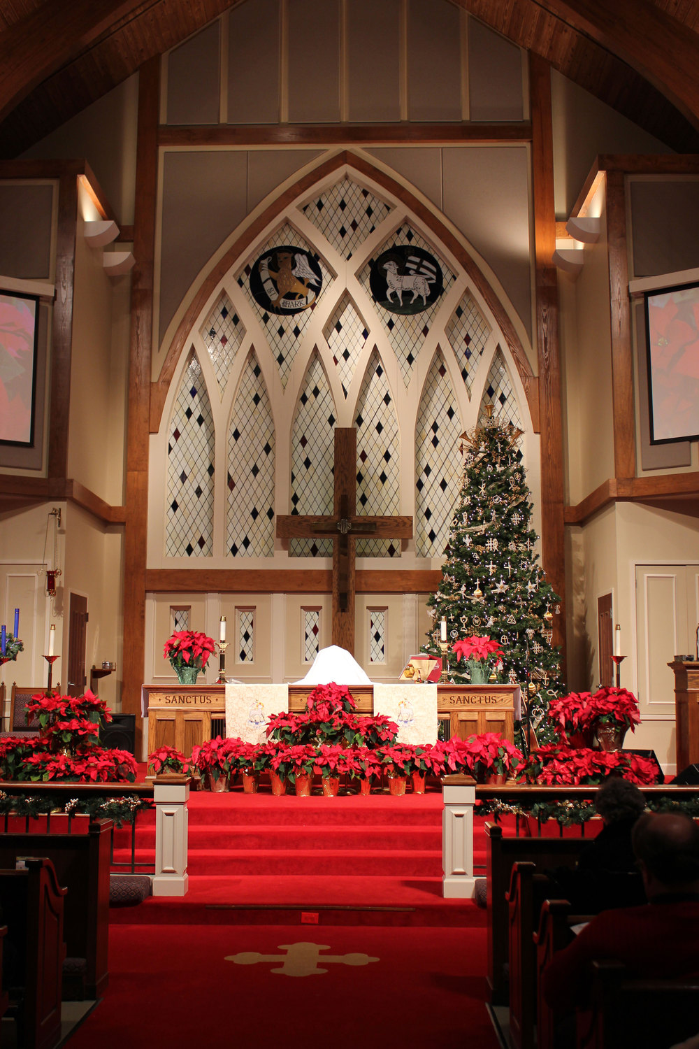 Festive decor in one of the most gorgeous churches in Huntsville.