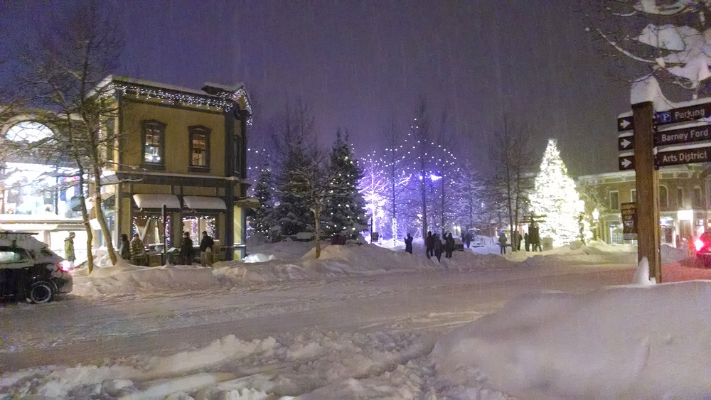 Typical mid-winter scene on Main Street.