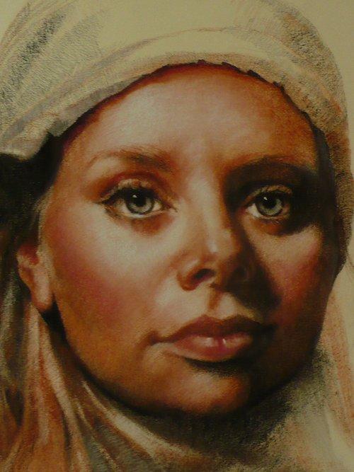 Harriet Trois Crayon..jpg