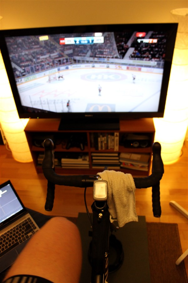 Doing intervals while watching ice hockey, easier said than done!