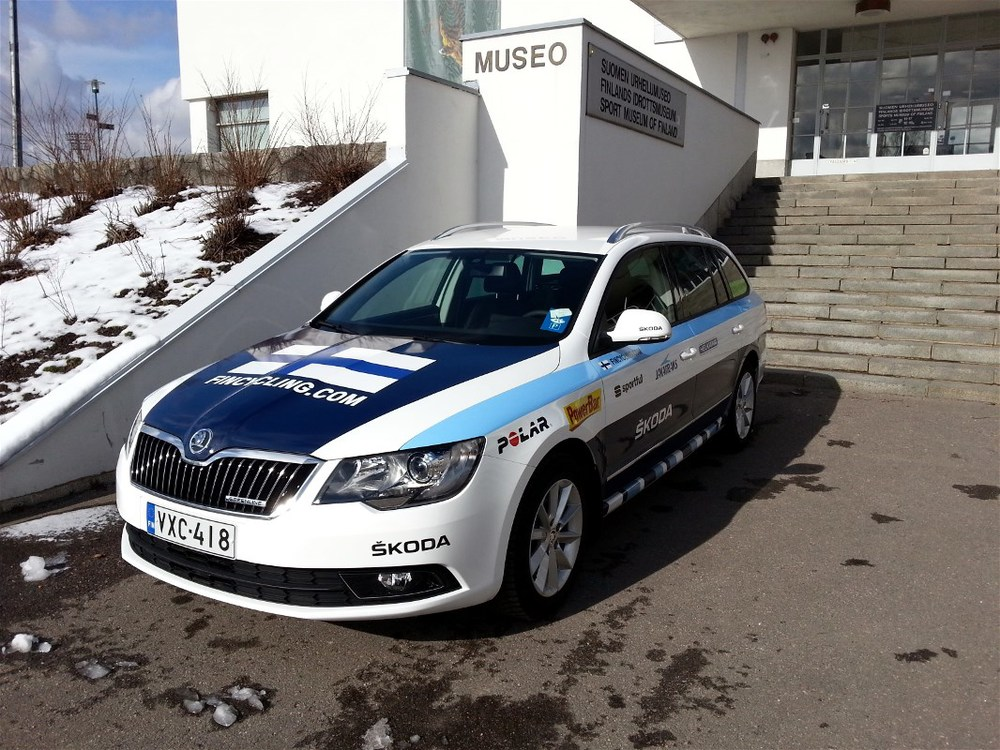 The Fincycling team car