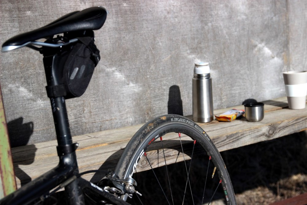 A coffee break on a windy and chilly ride