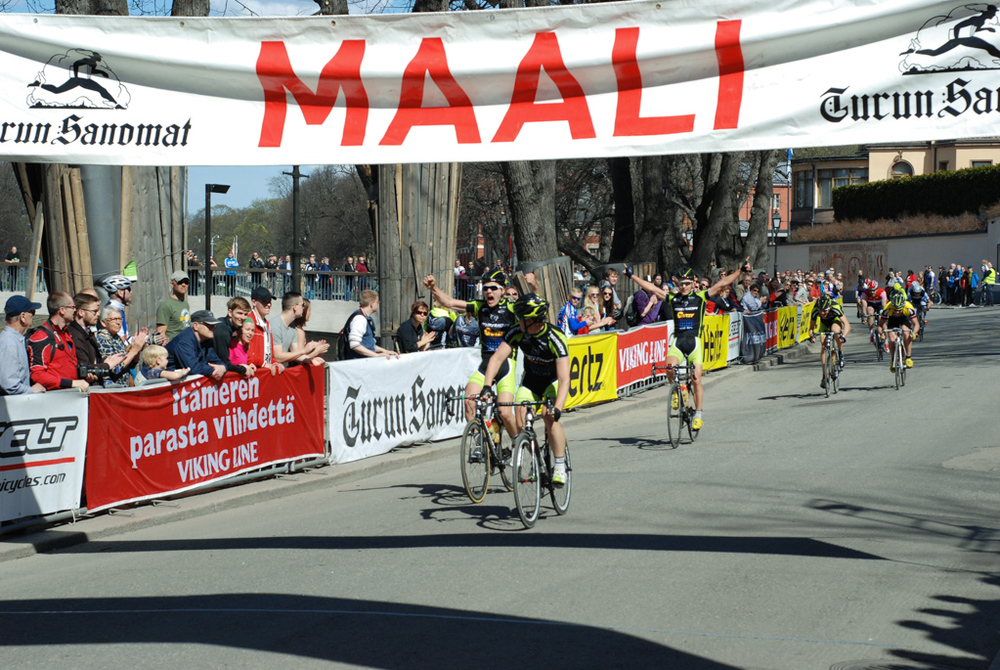 TWD Länken had a stronger team this time and Ilari Kahila took the win after a perfect leadout.