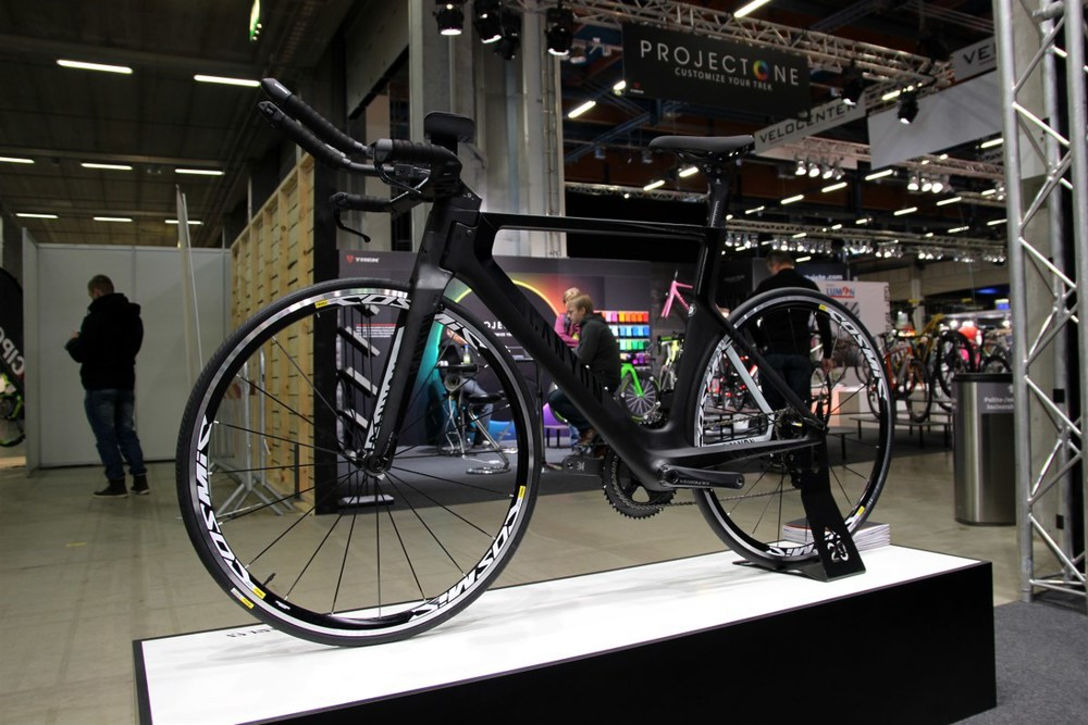 Canyon Speedmax CF 8.0 2015 edition looks fast