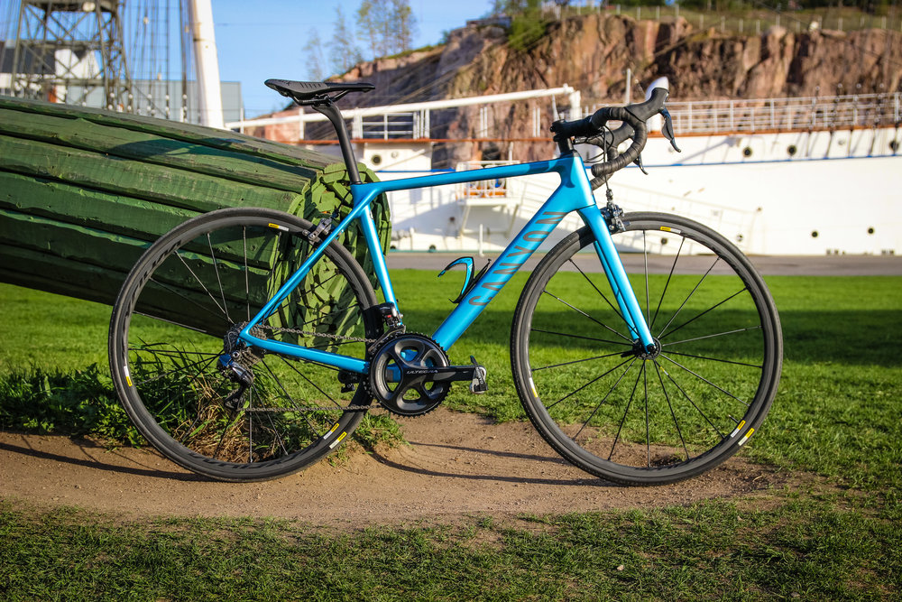 Canyon Ultimate CF SLX 8.0 Di2