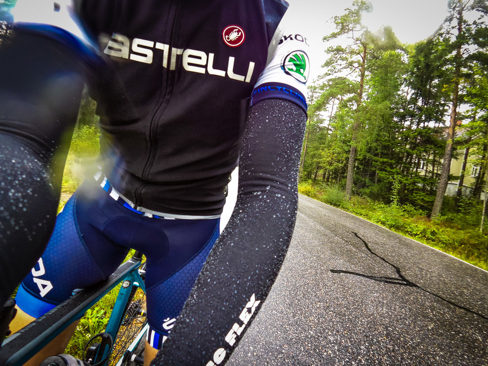 Castelli Nanoflex arm warmers doing their job