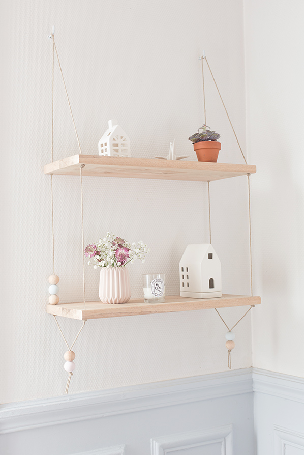 diy hanging shelf by carnets parisiens