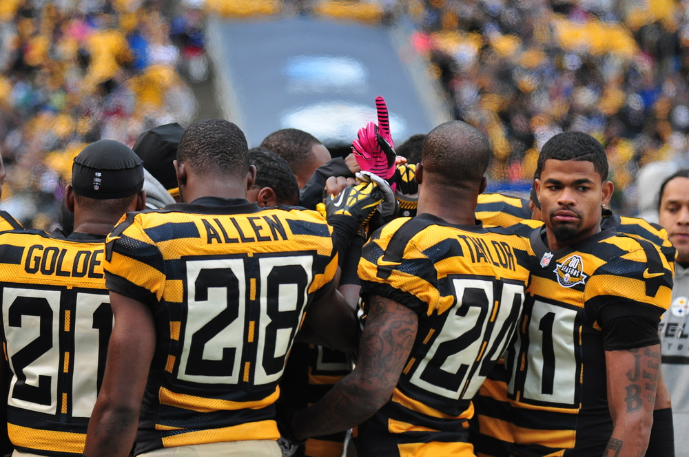 159 Steeler Huddle 2012.JPG
