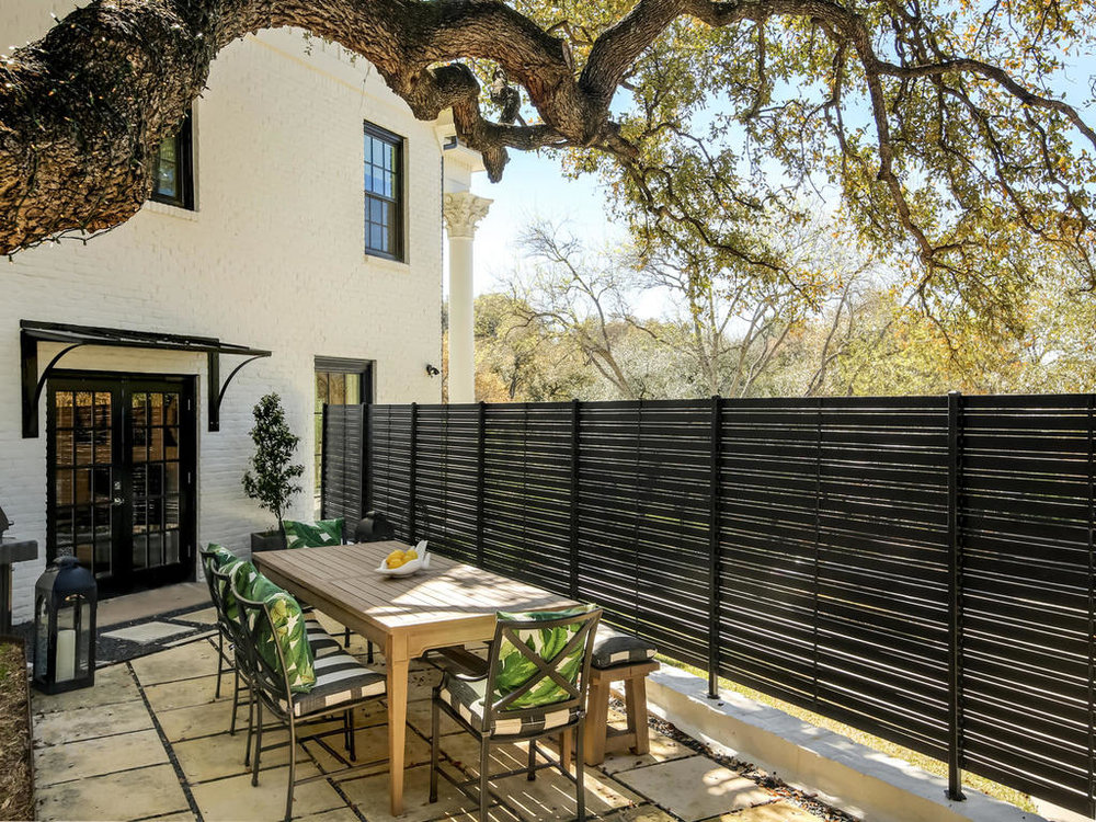 28_outdoor_dining_2804_Northwood_Rd.jpg