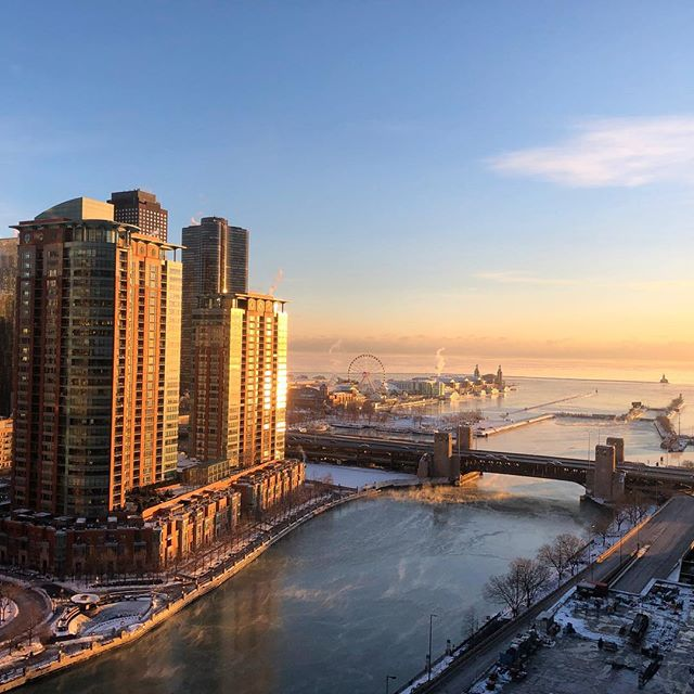 The frigid view of the #chicagoriver and #navypier from my hotel room.