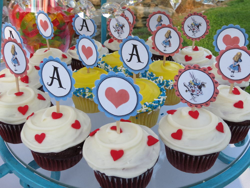 Alice's Traveling Tea Party Cupcakes -- Frosted Cupcakery