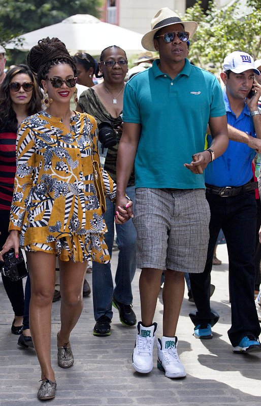 beyonce-knowles-and-jay-z-visit-cuba-on-fifth-wedding-anniversary.jpg