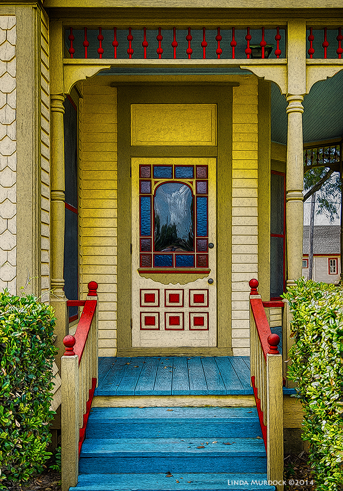 Wouldn't you love a front porch like this? But the house didn't come with air conditioning.  Sony A77 II with DT 16-50mm 1/400 sec. f/2.8 ISO 200