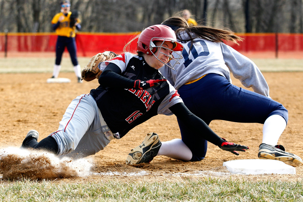 _2423176_ph_hs_RH_Glenelg_0014_softball_03201web.jpg