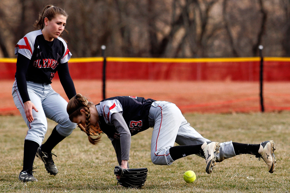_2423176_ph_hs_RH_Glenelg_0009_softball_03201web.jpg