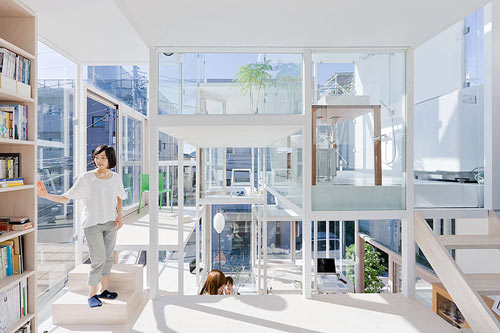Sou-Fujimoto-House-na-1.jpg