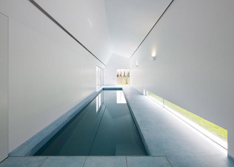 Dezeen_House-in-Ovar-by-Paula-Santos_SS_9.jpg