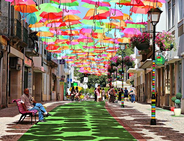 floating-umbrellas-installation-agueda-portugal-2.jpg