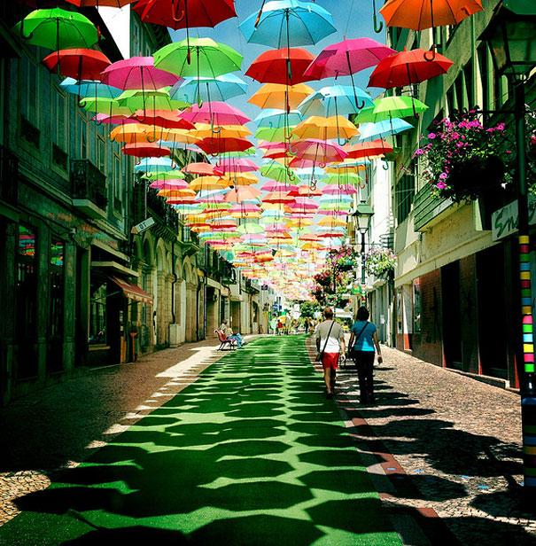 floating-umbrellas-installation-agueda-portugal-6.jpg