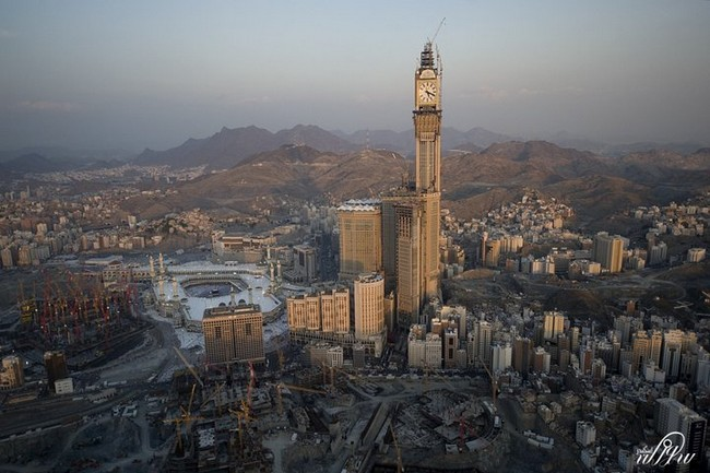 Abraj-Al-Bait-Towers-7.jpg