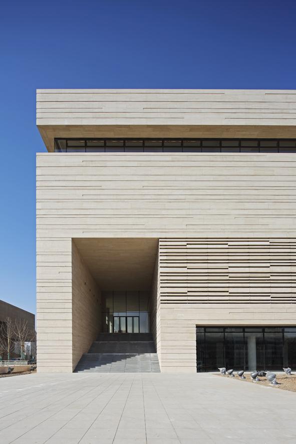 1338379108-ksp-tianjin-art-museum-exterior2-s.jpg
