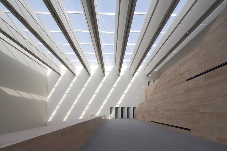 1338379116-ksp-tianjin-art-museum-interior2-s.jpg