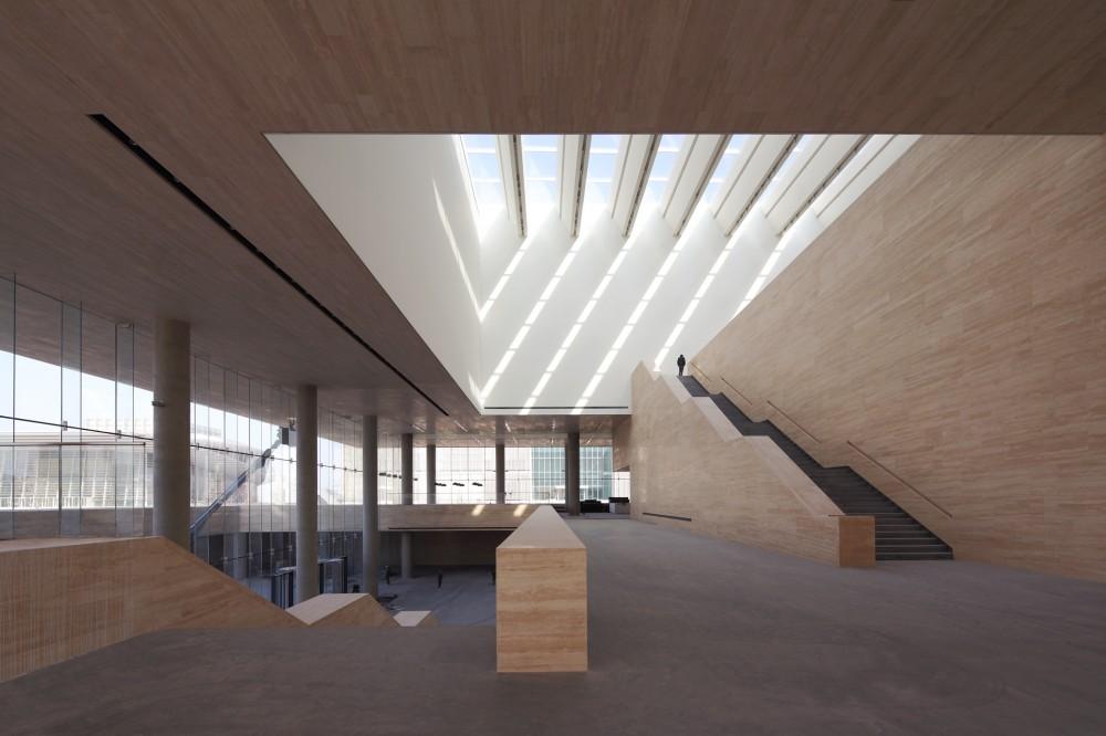 1338379122-ksp-tianjin-art-museum-staircase2-s-1000x666.jpg