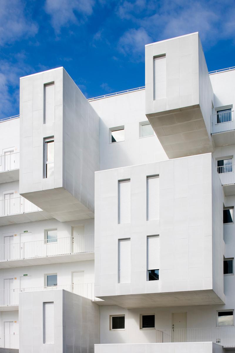 Carabanchel-Housing-by-Dosmasuno-arquitectos-15.jpg