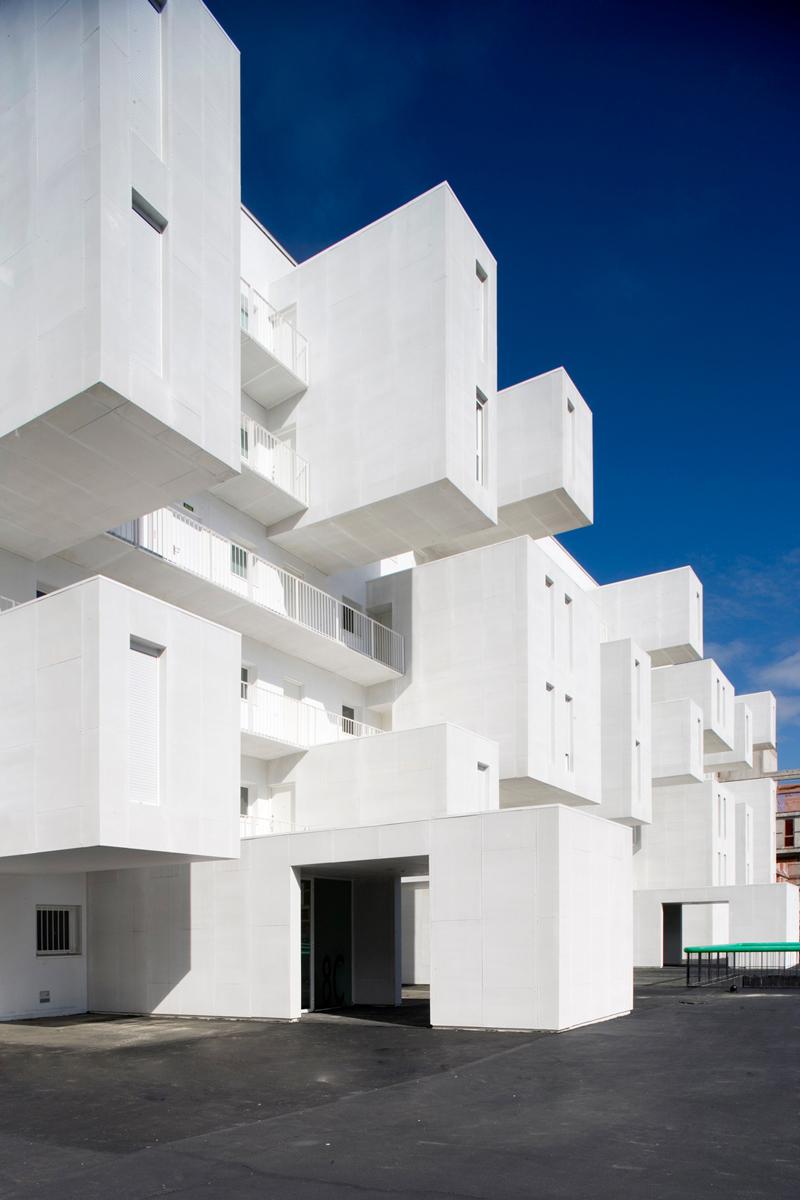 Carabanchel-Housing-by-Dosmasuno-arquitectos-10.jpg