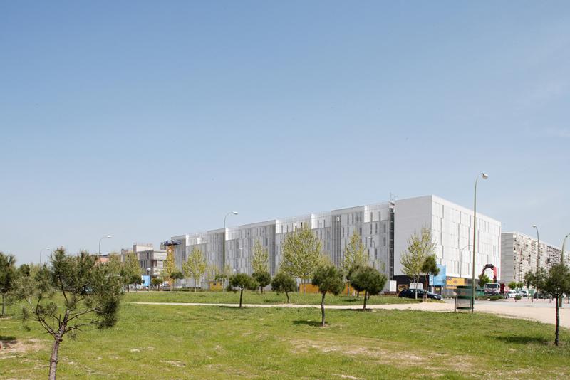 Carabanchel-Housing-by-Dosmasuno-arquitectos-05.jpg