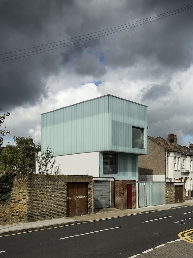 Slip House by Carl Turner Architects thetreemag 2740.jpg