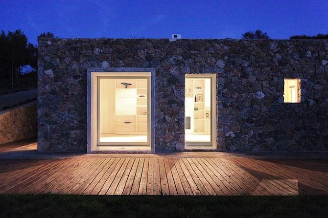 Seaside single house by Modostudio-thetreemag 17.jpg