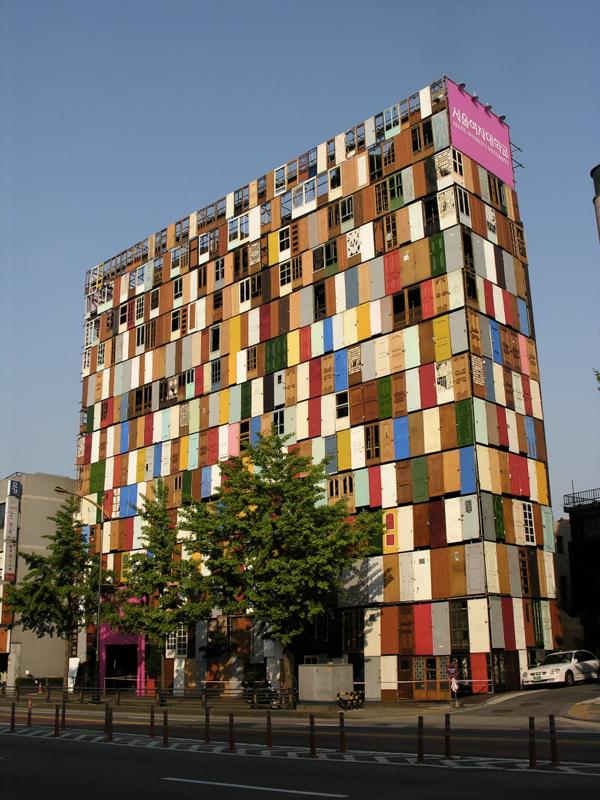 1000-doors-by-Choi-Jeong-Hwa-the-tree-mag-02.jpg