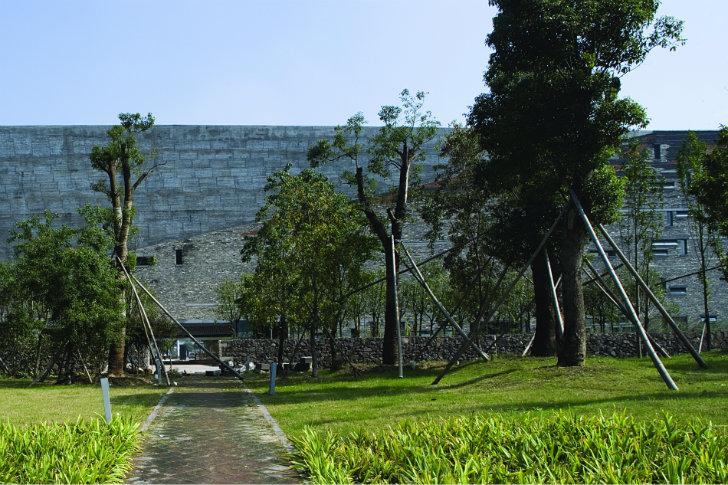 Ningbo-History-Museum-Wang-Shu the-tree-mag 08.jpg