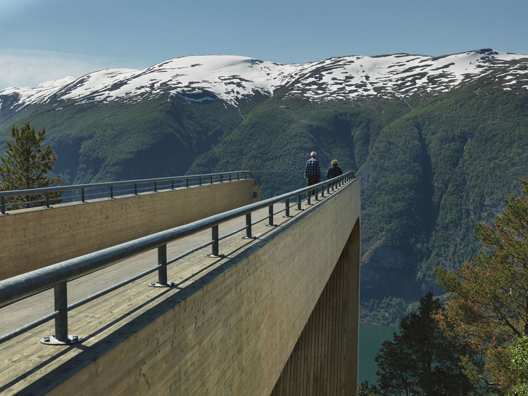 Aurland Look out by Saunders & Wilhelmsen the-tree-mag A6539666b.jpg