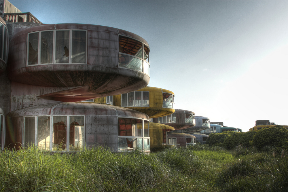 UFO town by Cypherone-the-tree-mag-24.jpg