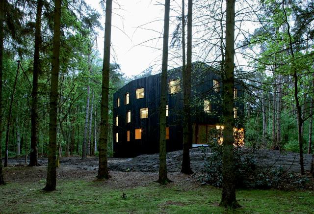 Huis aan't Laar by 51n4e the-tree-mag 06.jpg