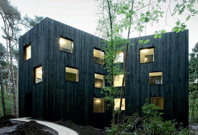 Huis aan't Laar by 51n4e the-tree-mag 01.jpg