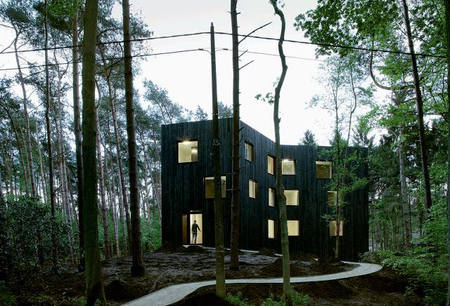Huis aan't Laar by 51n4e the-tree-mag 02.jpg